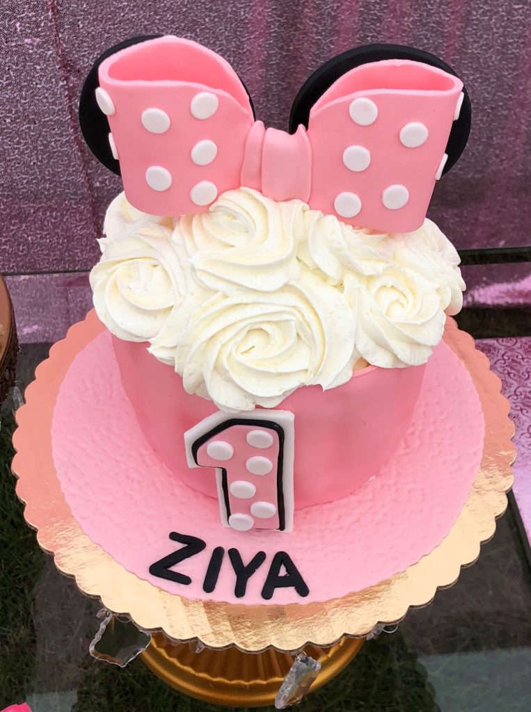minnie mouse birthday party smash cake idea